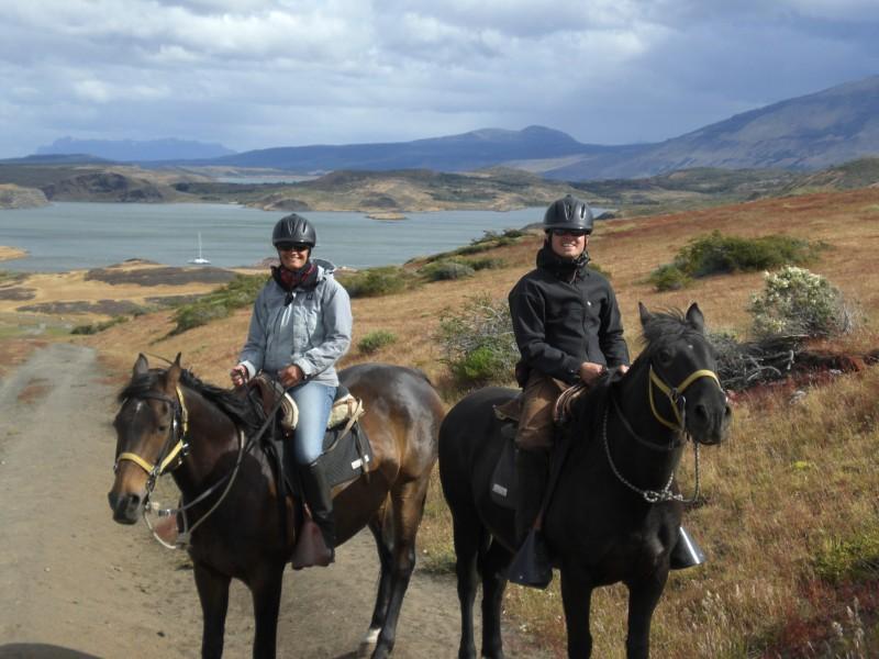 zwei Reiter in der Pampa