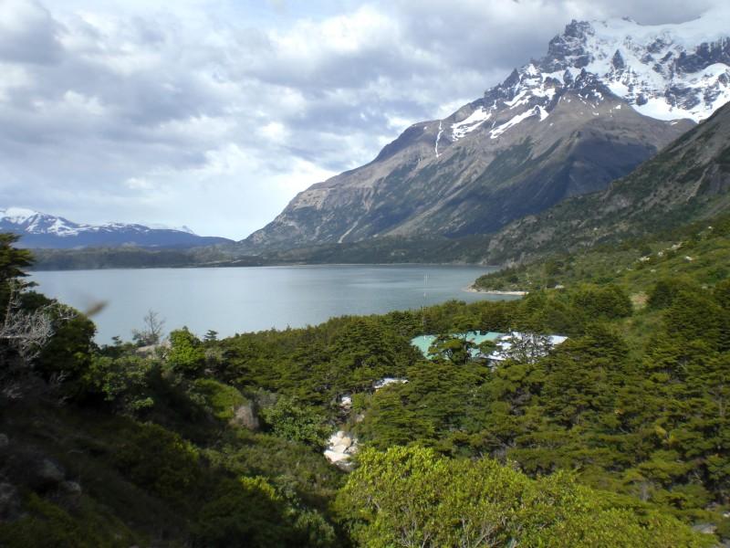 Blick zurück zum Refugio Los Cuernos